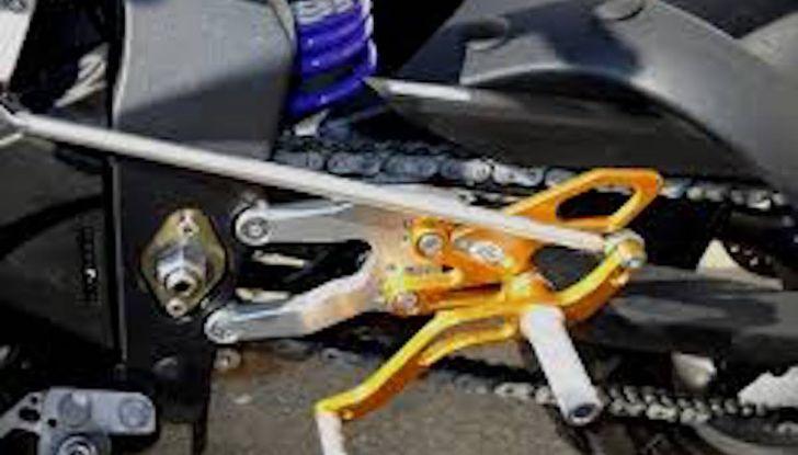 Moto e cambio rovesciato: perché si utilizza, che vantaggi offre e come montarlo - Foto 5 di 11