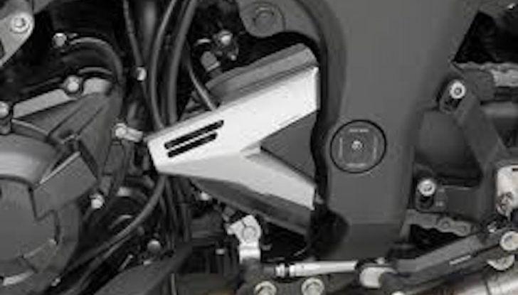 Moto e cambio rovesciato: perché si utilizza, che vantaggi offre e come montarlo - Foto 6 di 11