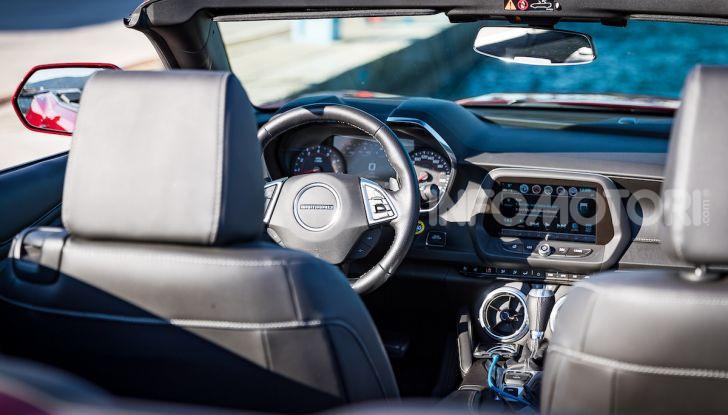 Test Drive Chevrolet Camaro Cabrio, la 2.0 turbo per andare ovunque - Foto 13 di 54