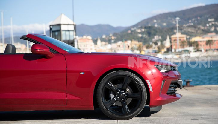 Test Drive Chevrolet Camaro Cabrio, la 2.0 turbo per andare ovunque - Foto 20 di 54