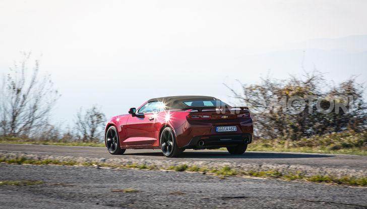 Test Drive Chevrolet Camaro Cabrio, la 2.0 turbo per andare ovunque - Foto 31 di 54