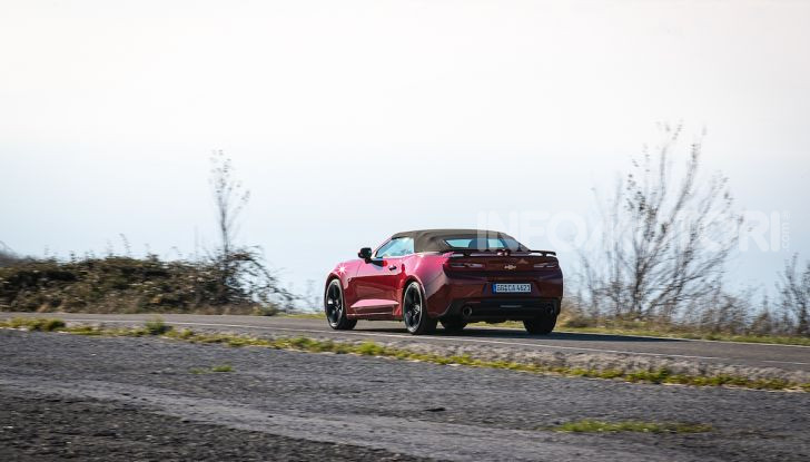Test Drive Chevrolet Camaro Cabrio, la 2.0 turbo per andare ovunque - Foto 32 di 54