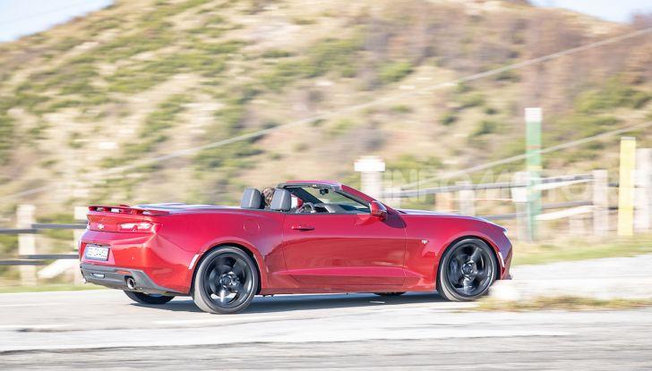 Test Drive Chevrolet Camaro Cabrio, la 2.0 turbo per andare ovunque - Foto 36 di 54