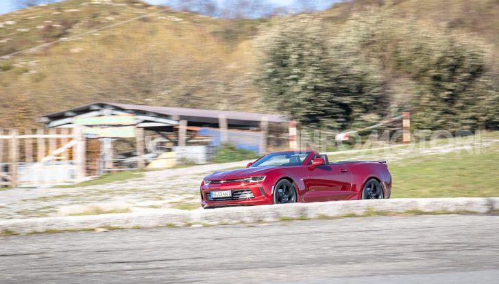 Test Drive Chevrolet Camaro Cabrio, la 2.0 turbo per andare ovunque - Foto 37 di 54