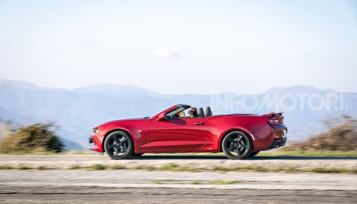 Test Drive Chevrolet Camaro Cabrio, la 2.0 turbo per andare ovunque - Foto 46 di 54