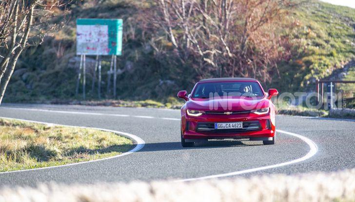 Test Drive Chevrolet Camaro Cabrio, la 2.0 turbo per andare ovunque - Foto 2 di 54