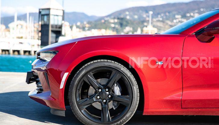 Test Drive Chevrolet Camaro Cabrio, la 2.0 turbo per andare ovunque - Foto 10 di 54