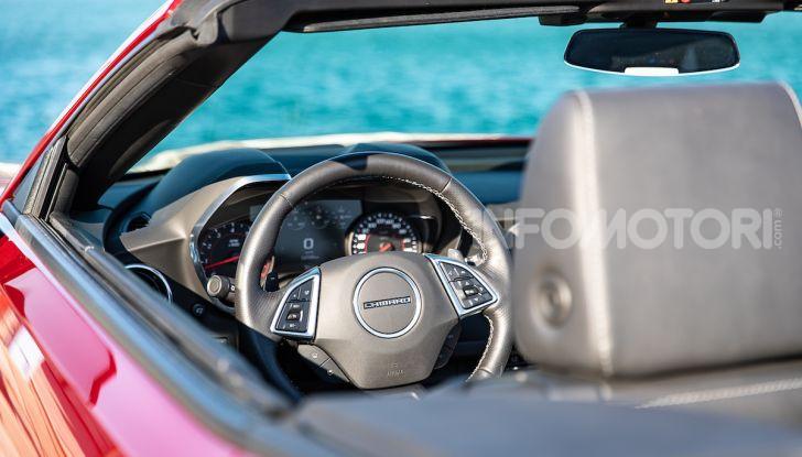 Test Drive Chevrolet Camaro Cabrio, la 2.0 turbo per andare ovunque - Foto 11 di 54