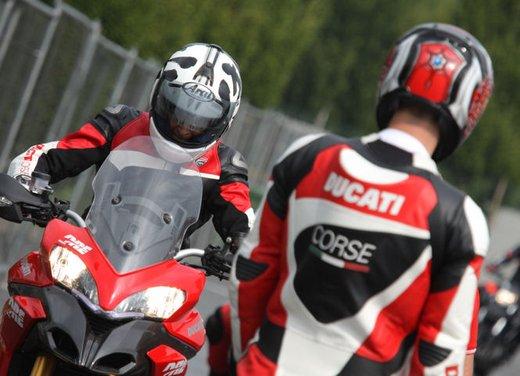Ducati Riding Experience 2013 in sella a Ducati 1199 Panigale, Multistrada, Hypermotard e Monster - Foto 2 di 8