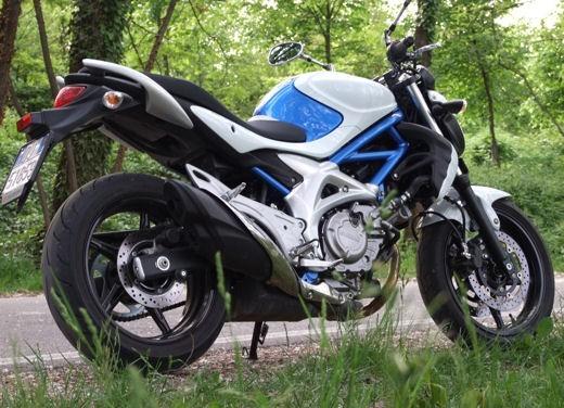 Yamaha XJ6 vs Suzuki Gladius - Foto 8 di 18