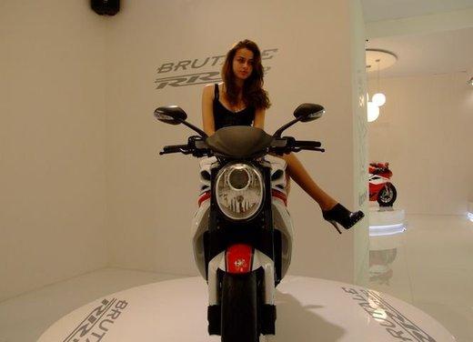 Salone Eicma 2011 ciclo moto e scooter di successo con mezzo milione di appassionati - Foto 5 di 23