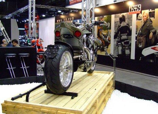 Salone Eicma 2011 ciclo moto e scooter di successo con mezzo milione di appassionati - Foto 10 di 23