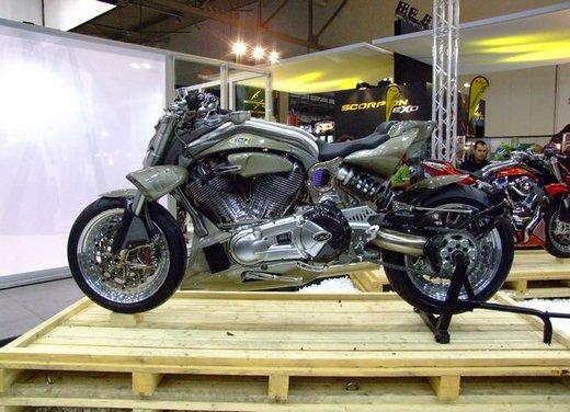 Salone Eicma 2011 ciclo moto e scooter di successo con mezzo milione di appassionati - Foto 2 di 23