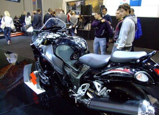 Suzuki a Eicma 2011 - Foto 12 di 36