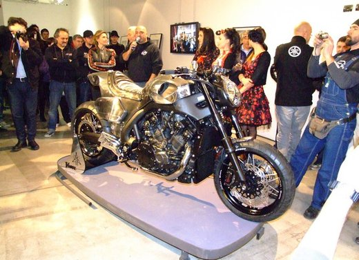 Yamaha VMax Hyper Modified, la moto custom made in Italy