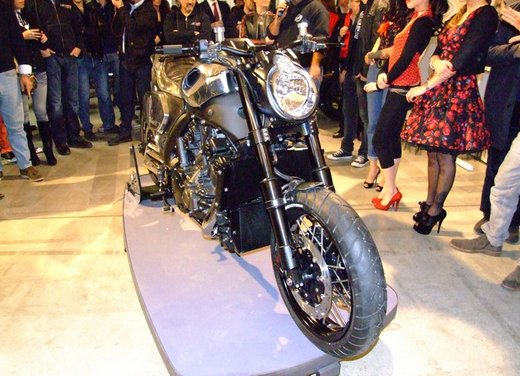 Yamaha VMax Hyper Modified, la moto custom made in Italy - Foto 15 di 19