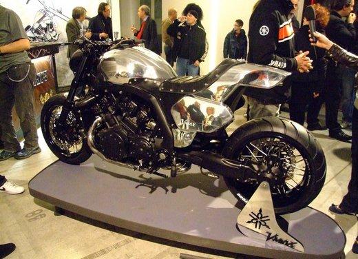 Yamaha VMax Hyper Modified, la moto custom made in Italy - Foto 9 di 19