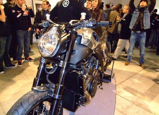 Yamaha VMax Hyper Modified, la moto custom made in Italy - Foto 6 di 19