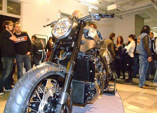 Yamaha VMax Hyper Modified, la moto custom made in Italy - Foto 5 di 19