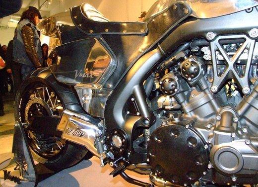 Yamaha VMax Hyper Modified, la moto custom made in Italy - Foto 4 di 19