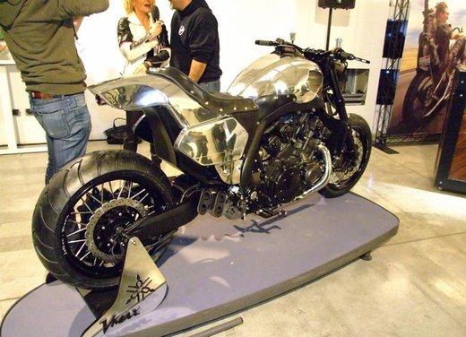 Yamaha VMax Hyper Modified, la moto custom made in Italy - Foto 18 di 19
