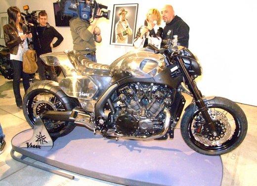 Yamaha VMax Hyper Modified, la moto custom made in Italy - Foto 17 di 19