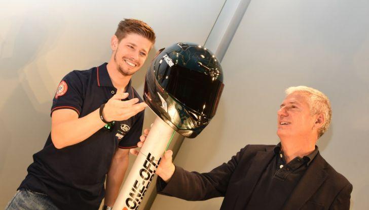 Casey Stoner presenta il Nolan X-802RR Ultra Carbon SuperHero - Foto 11 di 16