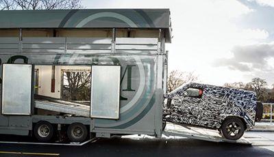 Nuova Land Rover Defender 2020, prime immagini dei test dinamici