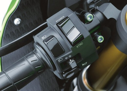 Kawasaki Ninja ZX-6R - Foto 21 di 34