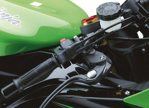 Kawasaki Ninja ZX-6R - Foto 22 di 34