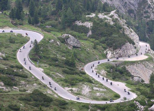 Dolomiti Ride 2011: a Canazei dal 24 al 26 giugno in sella alla Yamaha - Foto 10 di 15
