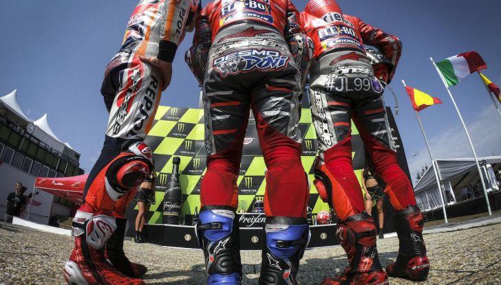 MotoGP 2019, GP della Repubblica Ceca: Marquez piega Dovizioso e vince a Brno, Rossi quinto - Foto 8 di 11