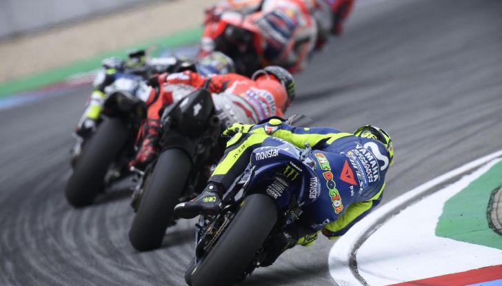 MotoGP 2019, GP della Repubblica Ceca: Marquez piega Dovizioso e vince a Brno, Rossi quinto - Foto 9 di 11