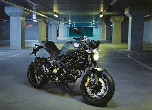 Ducati Monster Diesel nei Ducati Store