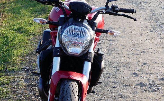 Ducati Monster 821: il migliore di sempre - Foto 18 di 39