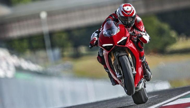 Ducati V4 Superleggera: potenza massima (236 cv) e peso minimo (161 kg)! - Foto 4 di 13