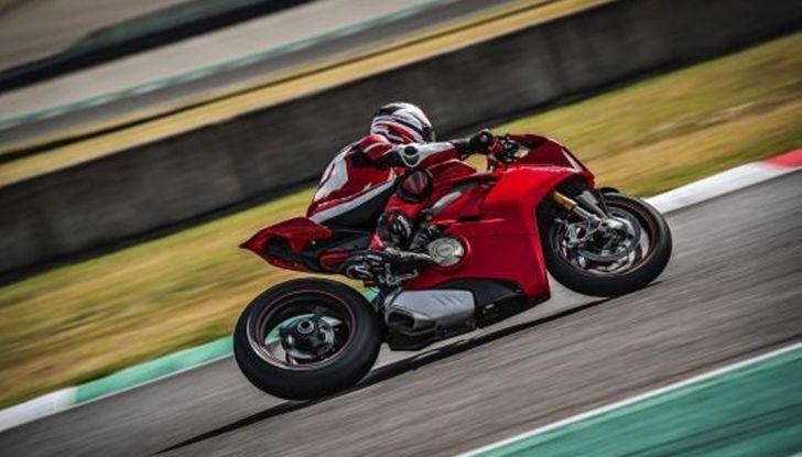 Ducati V4 Superleggera: potenza massima (236 cv) e peso minimo (161 kg)! - Foto 7 di 13