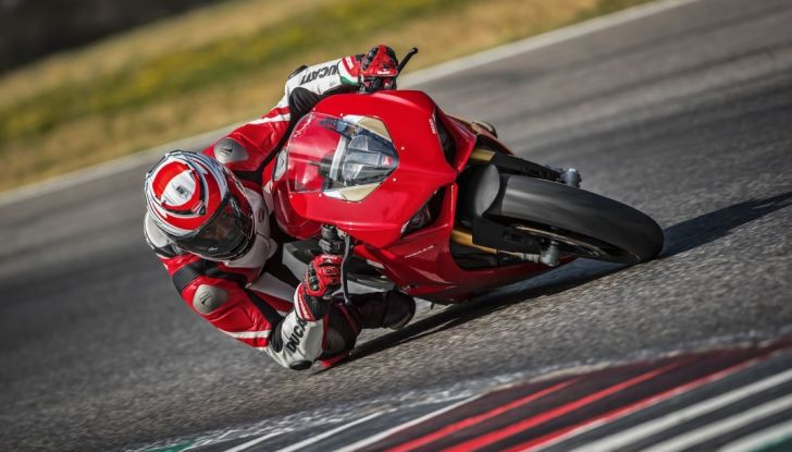 Ducati V4 Superleggera: potenza massima (236 cv) e peso minimo (161 kg)! - Foto 3 di 13