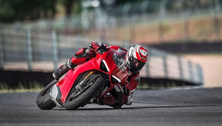 Ducati V4 Superleggera: potenza massima (236 cv) e peso minimo (161 kg)! - Foto 9 di 13