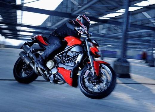 """World Ducati Week 2012: il """"Pianeta dei Campioni"""" alza il sipario - Foto 26 di 34"""