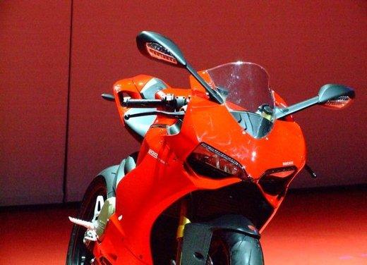 Salone Eicma 2011 ciclo moto e scooter di successo con mezzo milione di appassionati - Foto 18 di 23