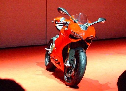 Salone Eicma 2011 ciclo moto e scooter di successo con mezzo milione di appassionati - Foto 1 di 23