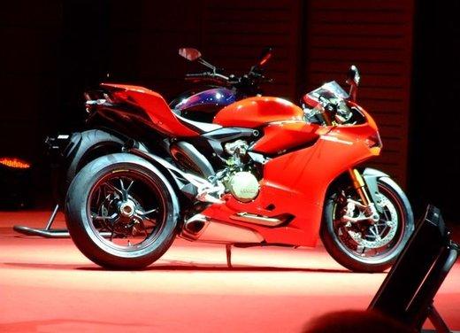 Salone Eicma 2011 ciclo moto e scooter di successo con mezzo milione di appassionati - Foto 19 di 23