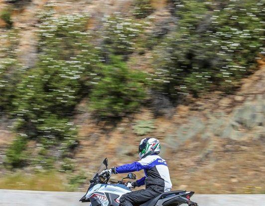 Test Honda CB 500X: divertimento e facilità immediata! - Foto 16 di 41
