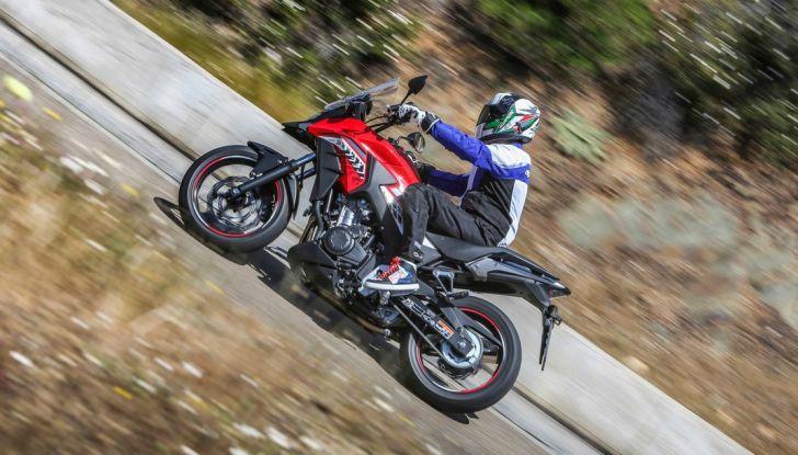 Test Honda CB 500X: divertimento e facilità immediata! - Foto 39 di 41