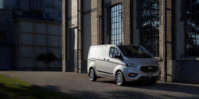 Ford Transit Custom Plug-In Hybrid, test a Colonia per migliorare l'aria - Foto 3 di 9