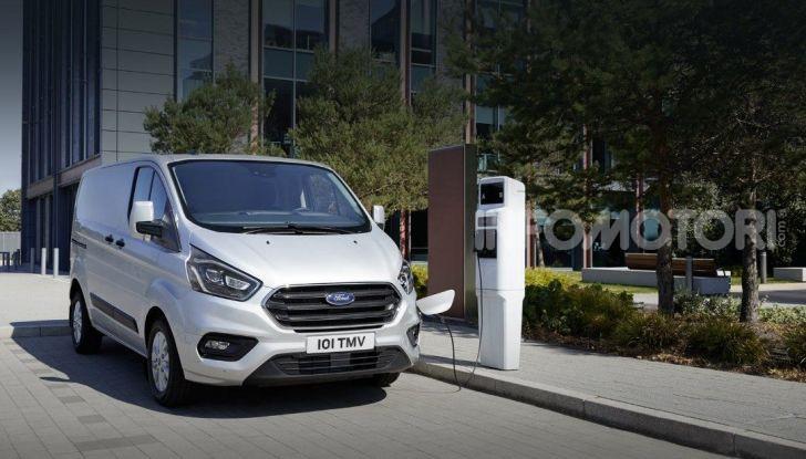 Ford Transit Custom Plug-In Hybrid, test a Colonia per migliorare l'aria - Foto 5 di 9