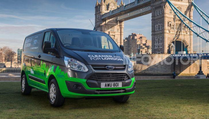 Ford Transit Custom Plug-In Hybrid, test a Colonia per migliorare l'aria - Foto 6 di 9