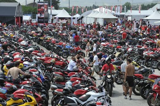 World Ducati Week 2012: Ducati Diavel Carbon in palio - Foto 8 di 14