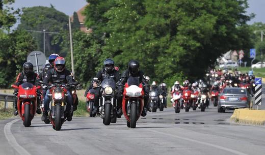World Ducati Week 2012: Ducati Diavel Carbon in palio - Foto 9 di 14